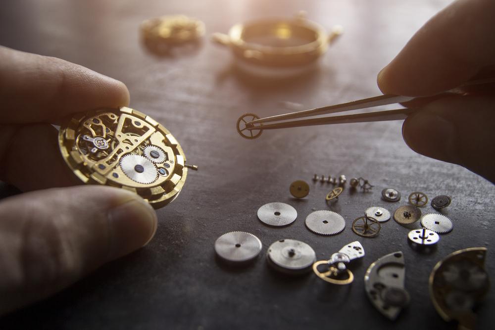 ceas de mana mecanic