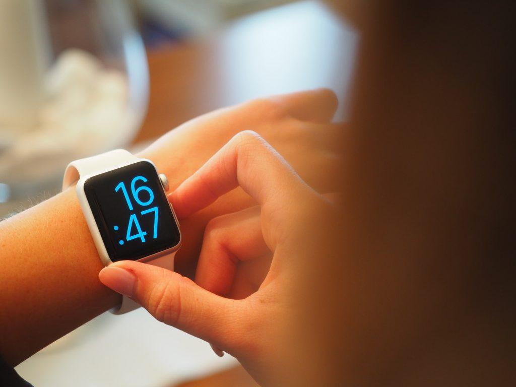 ceasuri inteligente pentru copii